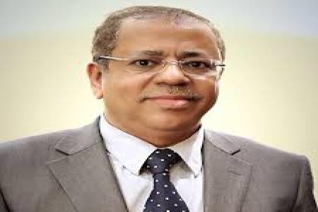 وزير المغتربين يعزي بوفاة رئيس الوزراء الأسبق عبدالقادر باجمال