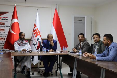 وزير التعليم العالي يلتقي الجالية اليمنية في تركيا